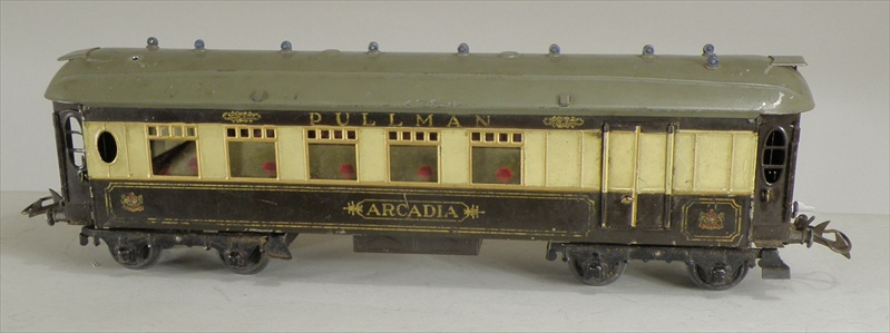 A PAIR OF HORNBY 0 GAUGE PULLMAN COACHES; Arcadia and Iolanthe, in brown and cream livery  Part Illustrated
