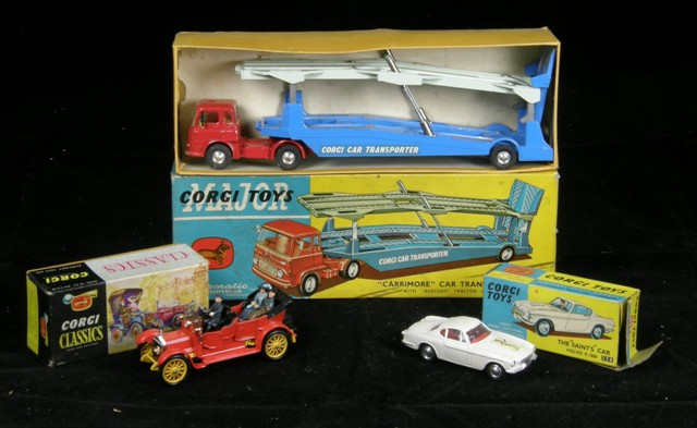 A CORGI THE SAINT CAR - VOLVO P1800 model 258, in original box, a CORGI CARRIMORE CAR TRANSPORTER model 1105, in box, and a CORGI CLASSICS 1910 DAIMLER with three figures, in box