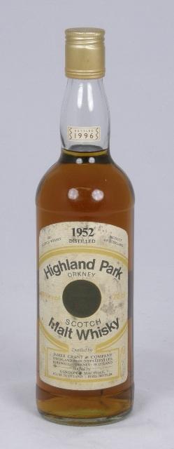 HIGHLAND PARK 1952 Orkney Single Malt Scotch Whisky, bottled 1996, 40% volume, 1 bottle