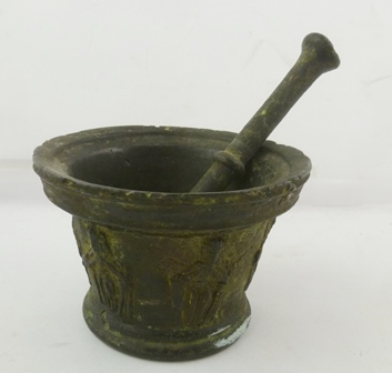 AN EARLY BRONZE PESTLE AND MORTAR with Grecian decoration, mortar 14cm diameter