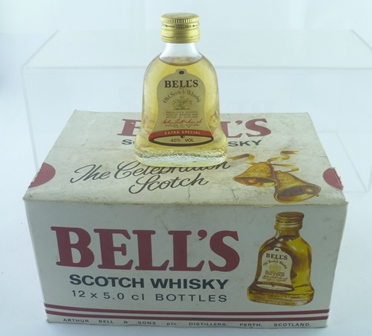 BELL SHAPED WHISKY, 12 Miniature bottles in o