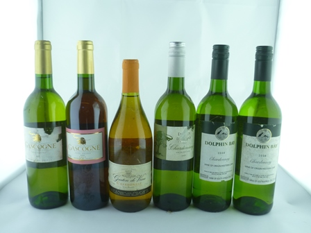 A SELECTION OF SIX MIXED WINES comprising; Do