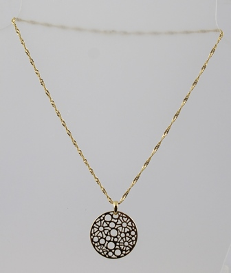 AN ITALIAN 18K NECKLACE with a pierced yellow metal disc pendant
