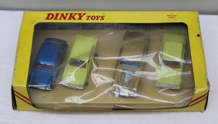 DINKY TOYS DIE-CAST PRESENTATION SET No.126 Motor Show Set with four vehicles in o.v.b.