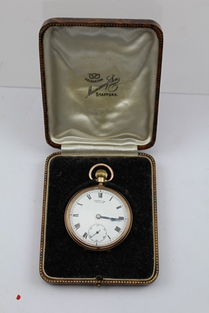 A LATE VICTORIAN 9CT GOLD CASED POCKET WATCH having white enamel dial with Roman numerals, bears inscription Mummery and Son, Stratford in vendors box