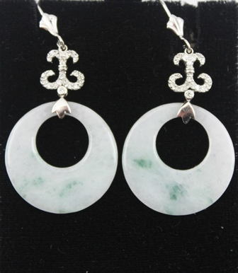 A PAIR OF 18K DIAMOND AND JADE EARRINGS with jade discs 2cm diameter, stamped 18K