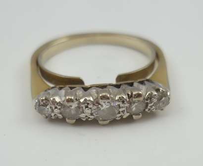 A LADYS FIVE-STONE DIAMOND RING, band hallmarks not visible, ring fitted with an internal reducer