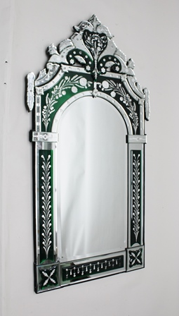 A 20TH CENTURY LARGE VENETIAN WALL MIRROR with decorative cushion frame & acanthus form crest, overall 149cm x 128cm