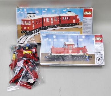 LEGO ELECTRIC PASSENGER TRAIN SET set no:7725 (requires 12v Lego transformer) in sealed box, together with Diesel Locomotive no:7755 in sealed box and a bag of assorted Lego