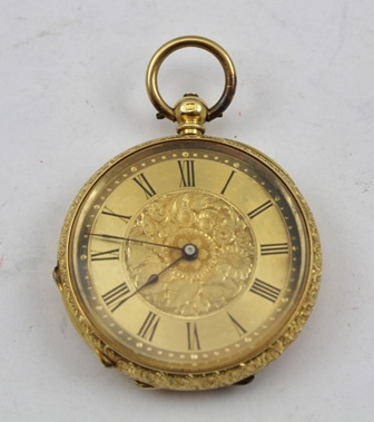 A LADYS 18K GOLD CASED FOB OR POCKET WATCH, having an ornately chased case, engraved dial centre of flowers, the gilt face with Roman enumerated chapter ring