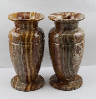 A PAIR OF 20TH CENTURY TURNED MARBLE VASES of urn form, 30.5cm high