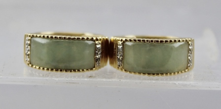 A PAIR OF 14K GOLD, JADE AND DIAMOND EARRINGS, 11g.