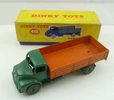 DINKY TOYS NO. 418 COMET WAGON with hinged tailboard, ovb