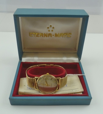 AN ETERNA-MATIC 9CT GOLD GENTLEMANS WRISTWATCH with 9ct gold bracelet strap in original box