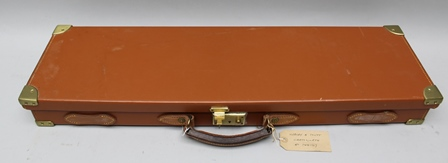 A WEBLEY & SCOTT CHATSWORTH PATTERN LEATHER SHOTGUN CASE, baize lined, bearing makers label, includes gun cleaning equipment