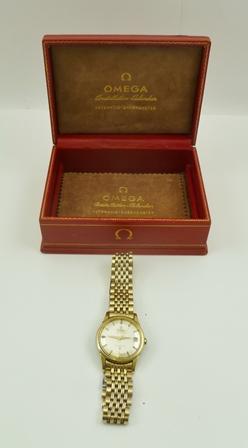 AN OMEGA CONSTELLATION AUTOMATIC CHRONOMETER GENTLEMANS WRISTWATCH, baton dial, date aperture, plated bracelet strap in original box