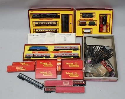 A COLLECTION OF TRI-ANG MODEL TRAINS 00 gauge, in original boxes, includes the sets RSI and RS4