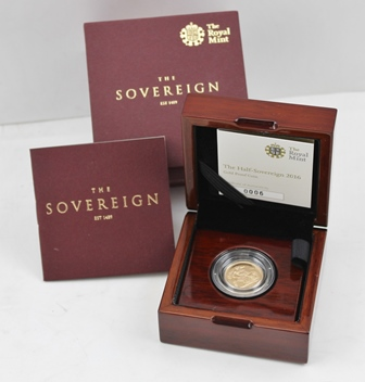 A 2016 HALF SOVEREIGN in presentation box, with certificate