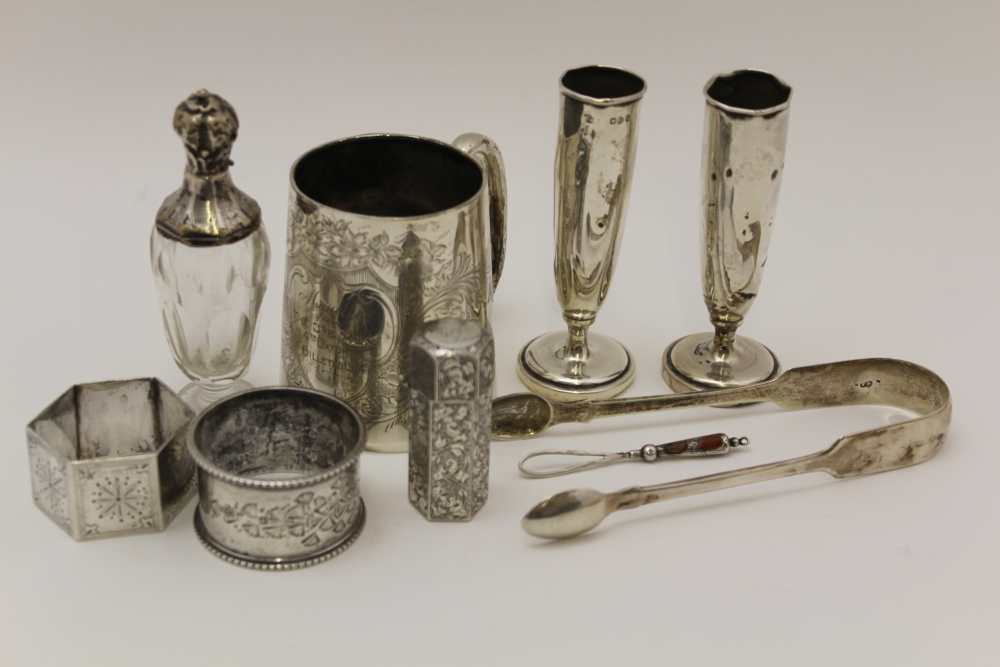 A COLLECTION OF SILVER ITEMS, INCLUDES A SILV