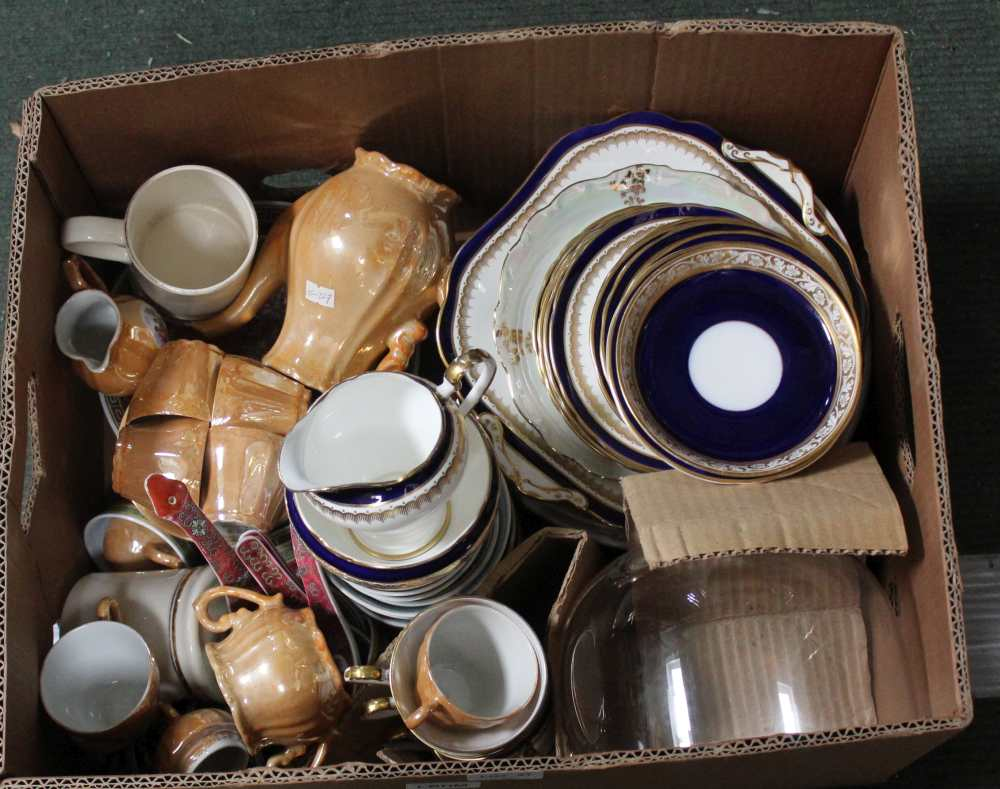 A BOX CONTAINING A SELECTION OF CERAMIC TABLE