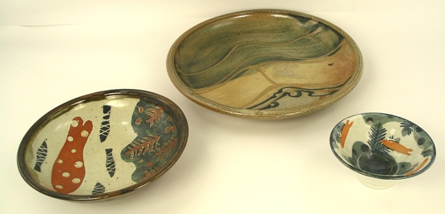 THREE ITEMS OF STUDIO POTTERY, to include John Maltby and William Staite Murray, comprising one dish and two shallow bowls, the largest 29cm diameter