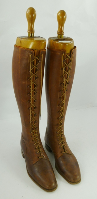 A PAIR OF 1920's/30's LEATHER RIDING BOOTS AND TREES, formerly owned by Evelyn Staines, Breeder of Crufts Champion St Bernards