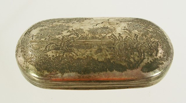 SAMUEL MORDEN & CO. A WILLIAM IV SILVER OVAL CUSHION SHAPE SNUFF BOX, the exterior engraved with a hunting scene and interior wash gilded, London 1835, 38mm x 72mm, 38g.