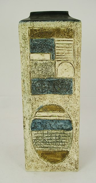 A 1970S TROIKA EARTHENWARE TALL SQUARED VASE decorated with geometric forms, 32cm high