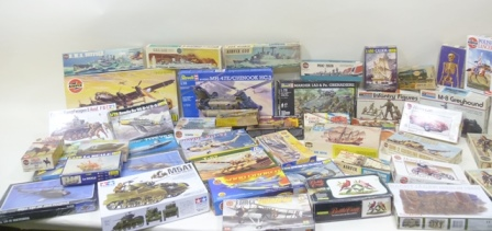 A LARGE COLLECTION OF AIRFIX, REVELL AND OTHER MODEL KITS, approximately one hundred and fifty boxed and approximately fifty loose, mostly unassembled, some part made (4 boxes)