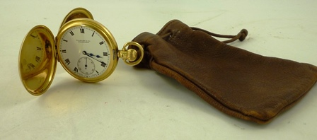 W.A. PERRY & CO., BIRMINGHAM AN 18CT. GOLD GENTLEMANS HUNTER CASED POCKET WATCH, having 17-jewel Minerva Swiss lever keyless mechanism faced by a Roman enumerated dial with subsidiary seconds in Dennison case, no. 203116, Birmingham 1920 or 1945, gross weight 106g.