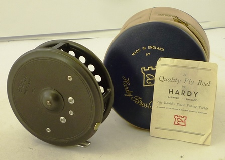 A HARDY ST. JOHN MK2 FISHING REEL in original carry case