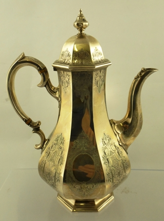 JOSEPH & ALBERT SAVORY A MID 19TH CENTURY SILVER COFFEE POT of octagonal baluster form with engraved decoration, London 1845, approximate weight 822g.
